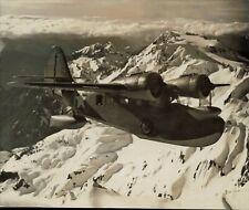 1943 Press Photo Coast Guard Grumman Amphibian Plane Flies Past Mt.Olympus