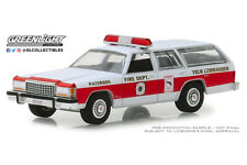 "Scale model car 1:64, FORD LTD Crown Victoria Wagon ""Paterson, New Jersey Fire D"
