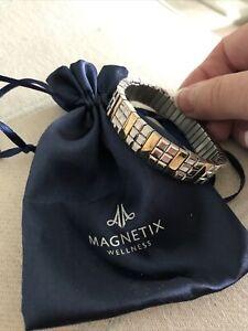magnetix wellness Bracelet Silver/gold Unisex . Helps Arthritic Pain . Exc Cond