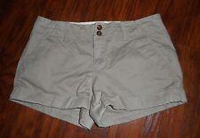"Women's Old Navy Perfect 3 1/2"" Shorts Favorite Khakis Size 4 Regular Cuffed"