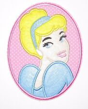 Disney deluxe PRINCESS CINDERELLA Embroidered Iron On / Sew On Patch