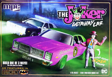 Batman The Joker Getaway Car + Figure Dodge Monaco 1:25 MPC Model Kit MPC890