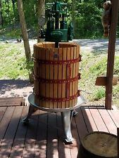 LARGE VINTAGE WINE PRESS FROM ITALY - WINE, CIDER,  FRUIT, APPLE - HEAVY DUTY
