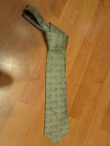 cravate HERMES PARIS en soie vintage epoque 1980 cheval d'arçon