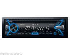 Autoradio e frontalini da auto Sony con Bluetooth e un Lettore CD