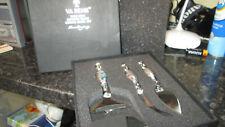 TWO COMPANY VA BENE 3 PIECE MURANO GLASS CHEESE KNIFE SET BNIB NEW