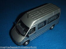 Mercedes Benz Sprinter I W 903 2004 Mini bus/CrewBus Argent brillant 1:43 /Neuf