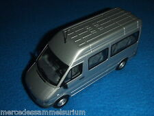 Mercedes Benz Sprinter I W 903 2004 Minibus/CrewBus Brilliantsilber 1:43 Neu/New