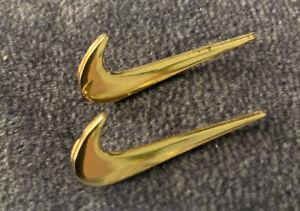 GOLD NIKE LOGO SWOOSH CHECK MARK LAPEL PIN SET OF 2 PCS PACK SNEAKER