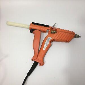 "3M Quadrack Polygun LT Glue Gun & 50 x Q 5/8x8"" Glue Sticks"