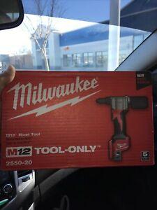 Milwaukee 2550-20 M12V Cordless Rivet Tool (Bare Tool)