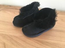 Jumbo UGG 100% Sheepskin boots, Black, Infant Size 6-7, Toddlers