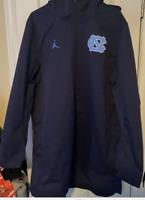Nike Jordan UNC Carolina Tar Heels Rain Jacket AJ1 Mens Sz XL Basketball Player