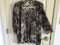 Woman's Chico's easywear size 2 brown multicolored crinkle polyester open top