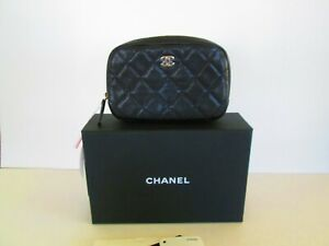CHANEL CAVIAR  QUILTED  SMALL CURVY POUCH COSMETIC BLACK  2020 NWT