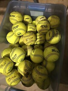30 Used Mens Slow Pitch  Yellow Softballs- . Worth Gold Dot (Ext) Good Condi