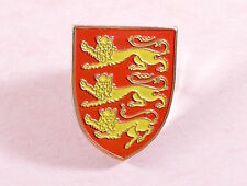 Vintage Atlas editions Kings and Queens of GB pin badge-  Henry II-Edward II