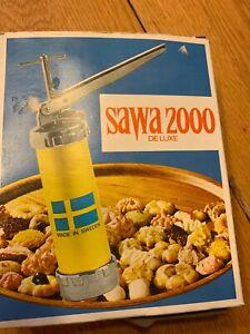 Vtg Sawa 2000 deluxe cookie press + recipe book  +  15 discs + decorator tips