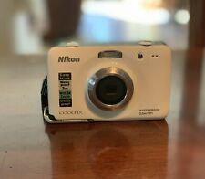 Nikon COOLPIX S30 10.1MP Digital Camera Water & Shock Proof - White