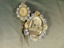 """Antique double picture frame hand crafted 2"""" x 3"""" photo & 1"""" x 1 1/2"""" bead art"""