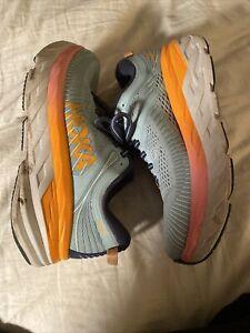 WOMEN'S HOKA ONE BONDI 7 size 6 (D) WIDE  !WORN LESS THAN 10 MILES!! Walking!