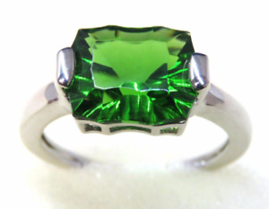 4550 Volcanic Forest Green Helenite Rectangle Cut Sterling Silver Ring