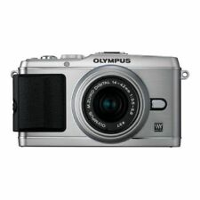 Near Mint! Olympus E-P3 12.3 MP with 14-42mm Silver - 1 year warranty
