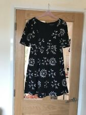 French Conection Black And White Size 10 Floral Lined Dress