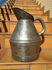 ancien grand Broc de chai pichet de vigneron metallique cave vin art populaire