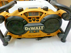 Dewalt DC011 Heavy Duty Work Site AM FM, AUX Radio Charger 7.2 18 Volts