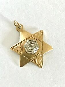 VINTAGE 14K GOLD Diamond Accent Star of David Pendant