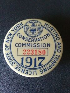 1917 New York State Conservation Commission Hunting and Trapping License Button