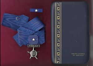 Texas Lone Star Medal of Valor with neck ribbon in case with ribbon bar TX