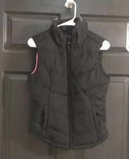 Aeropostale Women's Quilted Puffer Vest. Size Small. Black W/ Pink Lining. Nwot