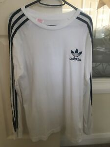 Adidas Top White Aged 15-16 Yrs, Black stripes on both arms