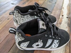 Heelys Kids Size EU35, excellent condition black and white