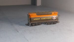 N SCALE TRAIN TENDER AS SHOWN CON-COR GREAT NORTHERN  NEEDS A WHEEL LOOSE PART