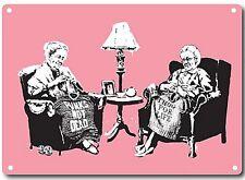 Banksy Grandmas Punto Letrero Metálico de Pared 380mm x 280mm (2f)