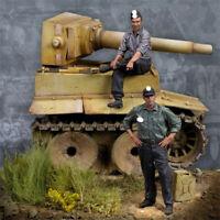 1/35 World War II Tank soldiers Resin Model Kits GK Unpainted include tank