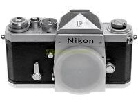 Nikon F, reflex professionale a pellicola, anno produz. 1970. Garanzia 12 mesi.