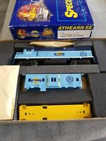 NEW in Box.HO Athearn #2122 SPECIAL EDITION GP38-2 w/CABOOSE 1996 Powered Diesel