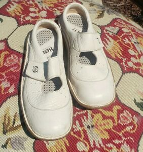 Born Womens Mary Jane Shoes White Leather Hook And Loop Round Toe 7M EUR 38