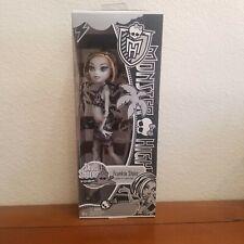 NIB Monster High Skull Shores Black and White FRANKIE STEIN Doll