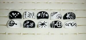 Bundle of 10 BLACK & WHITE Chunky LUCITE RINGS C
