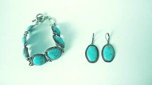 Turquoise Bracelet and Earring Set w/ Silver Trim Preowned Very Good Condition