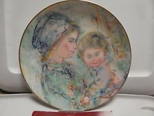 Royal Doulton Hibel Collector Plate 1st of Series Colette & Child *1973