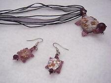 Conjunto de collar y pendientes de tortugas de cristal.