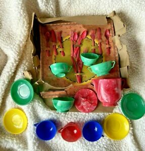 IDEAL Child's Play Tea Set W/Cups, Saucers, Plates, Teapot, Creamer, Sugar Bowl