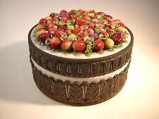 Porzellan Dose Metall Montierung Früchte handbemalt 1860 Frankreich ?
