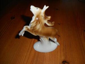 Sitzendorf Porzellan Figur ein Hirsch